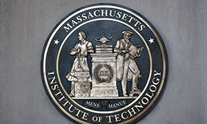 How Data Visualization Supports MIT's Online Learning Experiences
