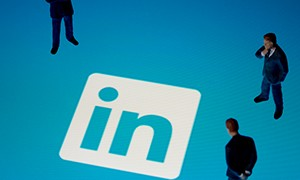 Infographic: Business Advantages Of A LinkedIn Company Page
