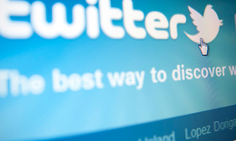 Twitter bug left hidden tweets searchable by locations